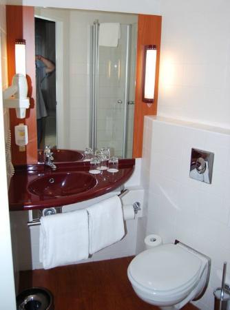 Star Inn Hotel Budapest Centrum, by Comfort : Bagno 2