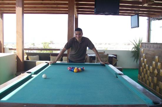 4S Hotel: Billiards