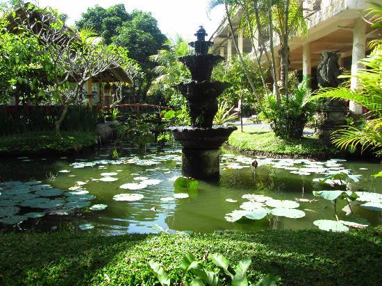 Panorama Hotel : Gardens