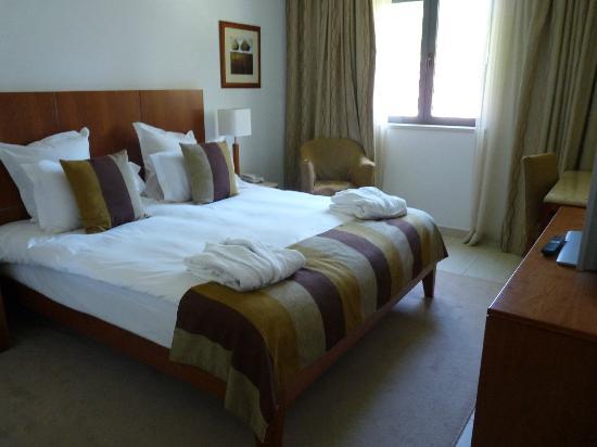 Hilton Vilamoura As Cascatas Golf Resort & Spa : autre vue chambre