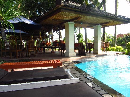 Panorama Hotel: Pool area
