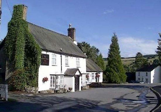 Hundred House Inn Photo
