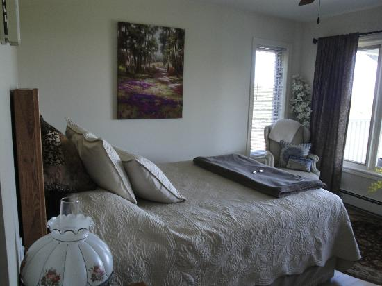 Gray Gables Bed and Breakfast: Mermaid Bedroom