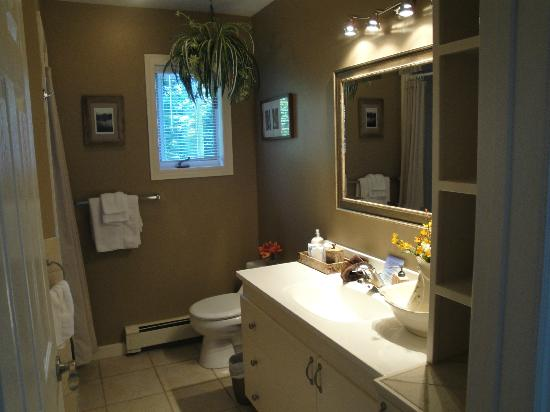 Gray Gables Bed and Breakfast: Mermaid Room Ensuite