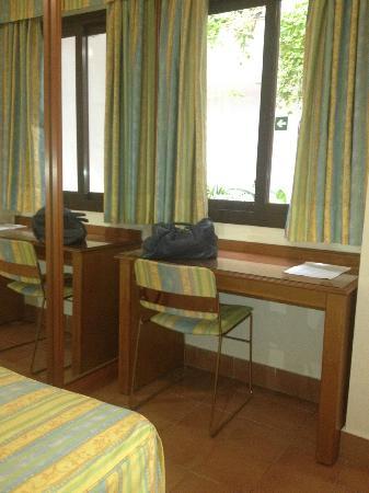 La Posada Hotel: Con mesa