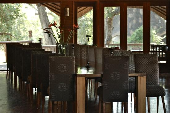 Ulusaba Private Game Lodge: One of the dining areas where guests have dinner together