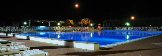Piraino, Italie : La piscina