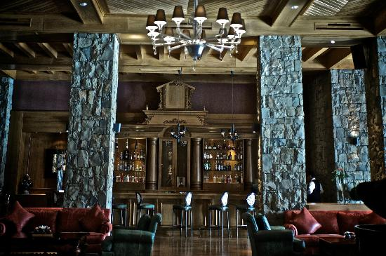 Michlifen Ifrane Suites & Spa: Lobby Bar