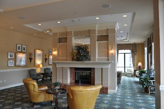 Hilton Garden Inn Savannah Historic District: Lobby