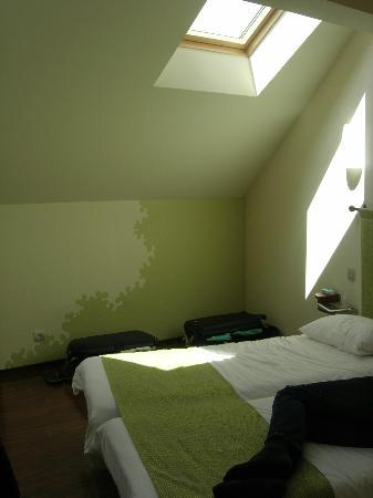 L'Hôtel : attick room4