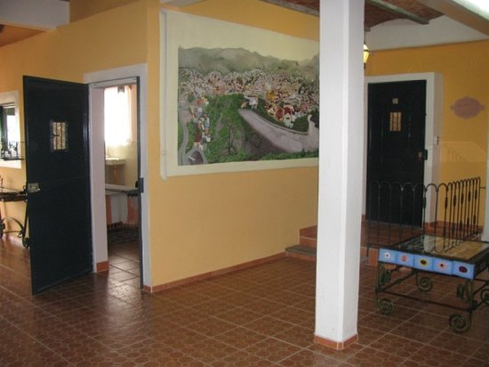 Casa Zuniga B&B: wall map, gallery
