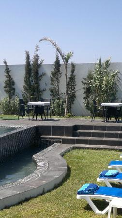 Auberge Oualidia Dream : Oualidia's hotel pool area