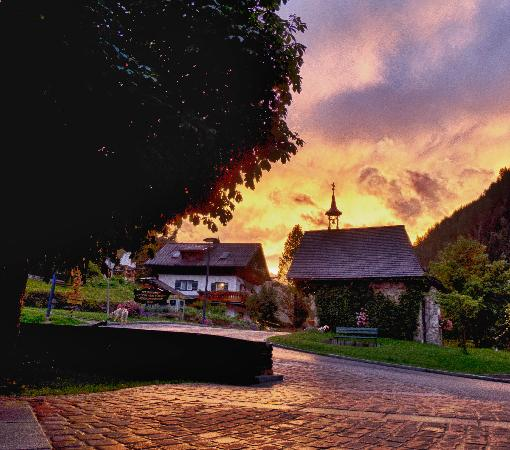 Hoteldorf Gruner Baum: Dusk - Sonnenuntergang - September