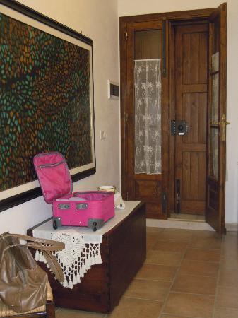 Agriturismo Masseria Del Crocifisso: camera, ingresso