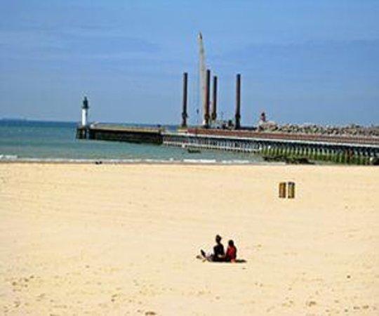 Hotels Near Calais Beach