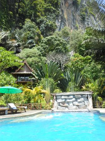 Aonang Cliff View Resort: Jungle