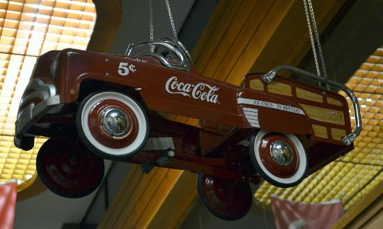 Route 66 Hotel And Conference Center: Coca Cola car