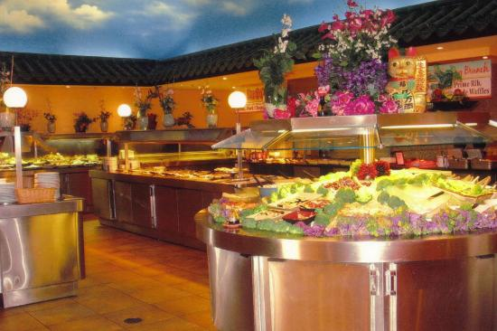 The aquarium in the restaurant picture of kings buffet for Asian cuisine sudbury