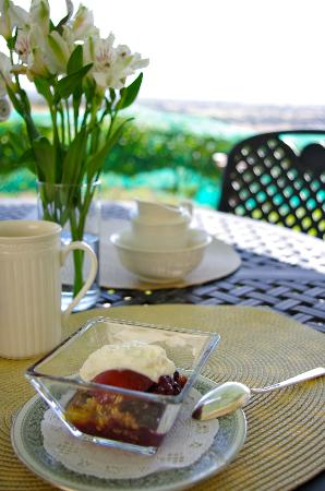Seven Quails Vineyards Bed & Breakfast: Delicious finish to our breakfast