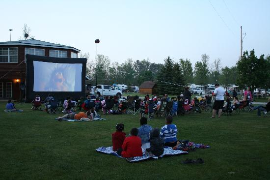 Toronto North Cookstown KOA: Movie under the stars