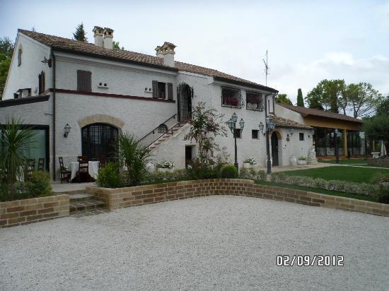 Ristorante Villa Bianca: esterno villa bianca