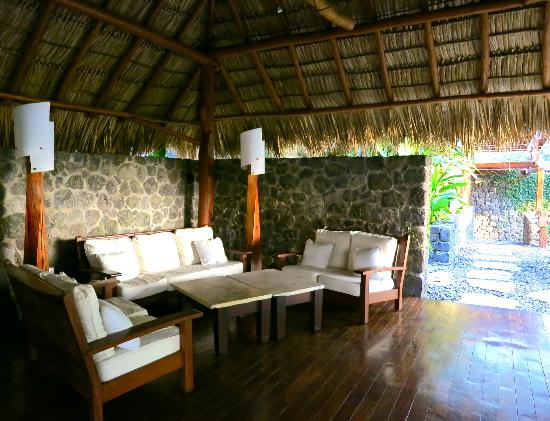 Jicaro Island Ecolodge Granada: one of the many sitting areas