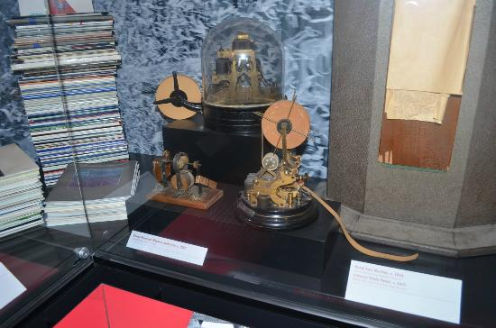 Museum of American Finance: Edison Telegraph machine