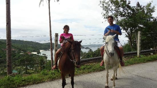 Boracay Horse Riding Stables : Our ride up to Mt. Luho