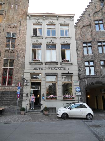 Hotel Cavalier: hotel front