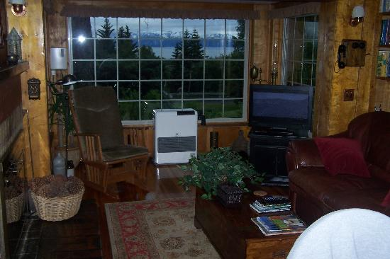 Hoedel's Homestead Cottage: View from the livingroom