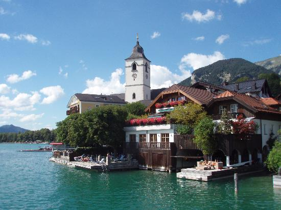 Hotel Furian am Wolfgangsee: Church & White Horse