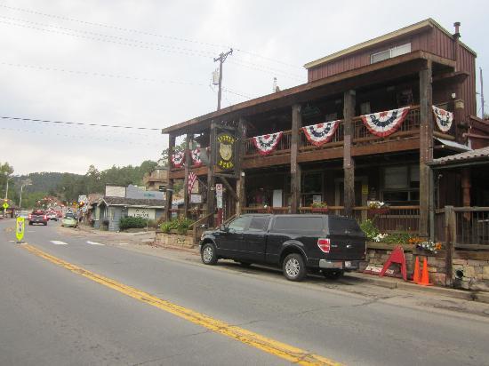 Little Bear Saloon and Restaurant: Little Bear from main street of Evergreen