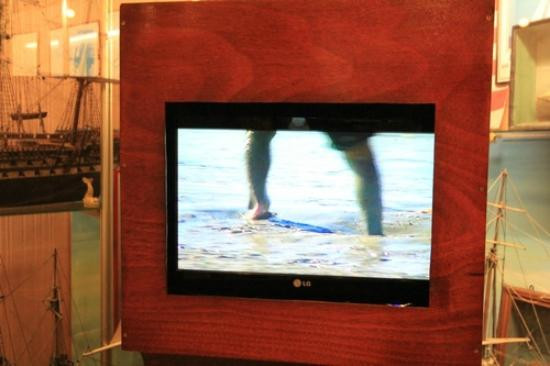 Maritime Museum: TV explaining the effects of tides