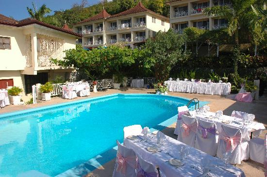 Relax Resort : pool deck