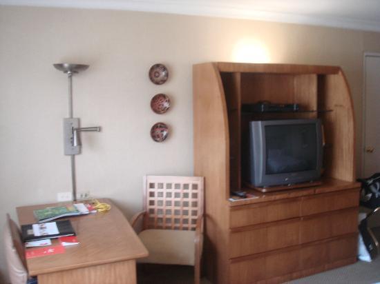 Swissotel Quito: tv
