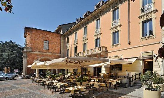Una buona pizza napoletana in una bella piazza nel cuore for Fumagalli case prefabbricate prezzi