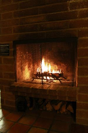 Alisal Guest Ranch & Resort: fireplace