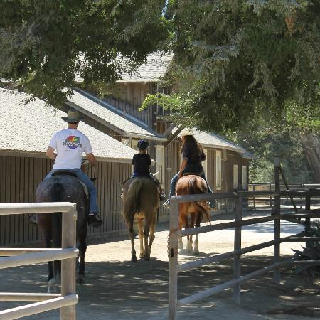Alisal Guest Ranch & Resort: Off to the trail