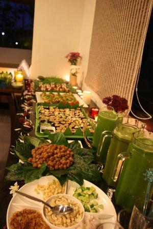 Phuket Cleanse Villa: Food glorious food. All raw and all delicious.
