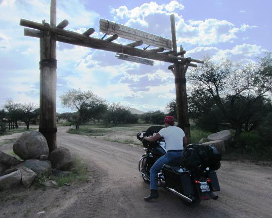 Tombstone Monument Ranch: A bit tricky on a motorcycle