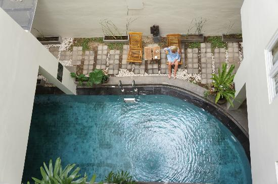 Jocs Boutique Hotel & Spa: View of pool from top