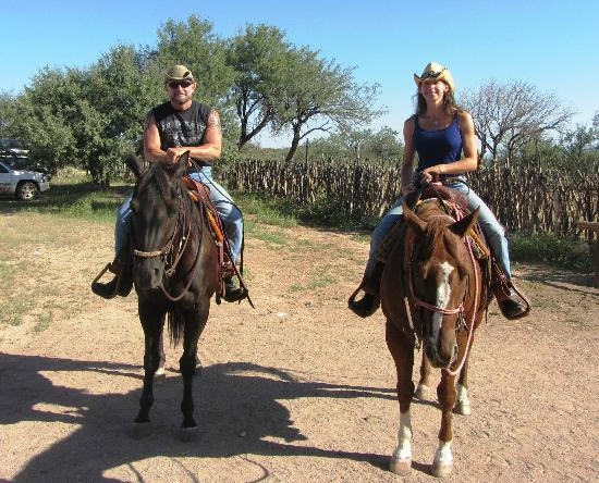 Tombstone Monument Ranch: One of the trail rides