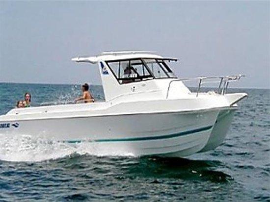 Maragata Yacht Charter Day Trip