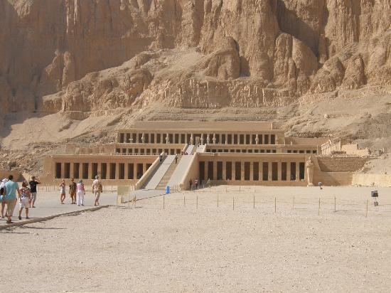 Temple of Hatshepsut at Deir el Bahari: temple of hatsheput at deir el bahari