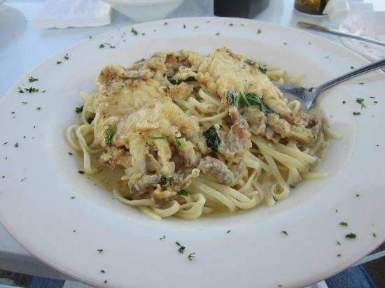 Inlet Cafe: Soft-shell crabs and linguini