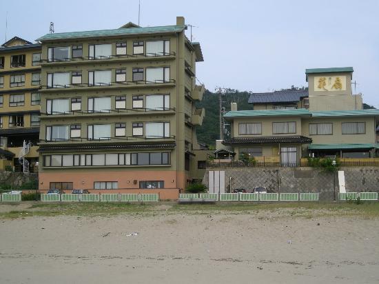 Shizuka Hanaougi: 夕日ヶ浦海岸からの「花扇」全景