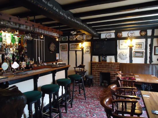 The Bull's Head Inn: bar area