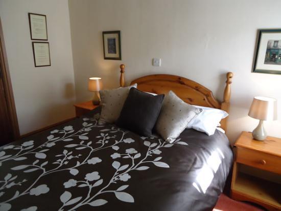 The Bull's Head Inn: room 4
