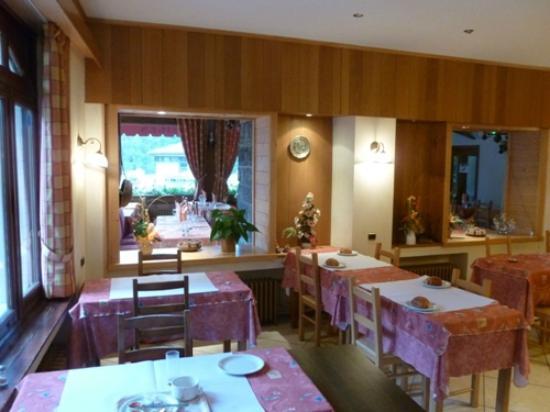 Hôtel l'Etoile de Neiges : Salle à manger du petit déjeuner
