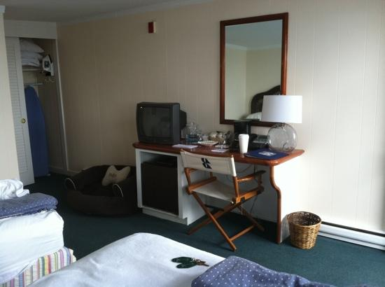 Bannister's Wharf Guest Rooms: interior